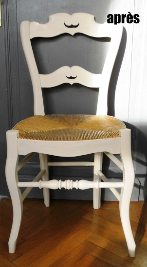 chaise moustache apres copie