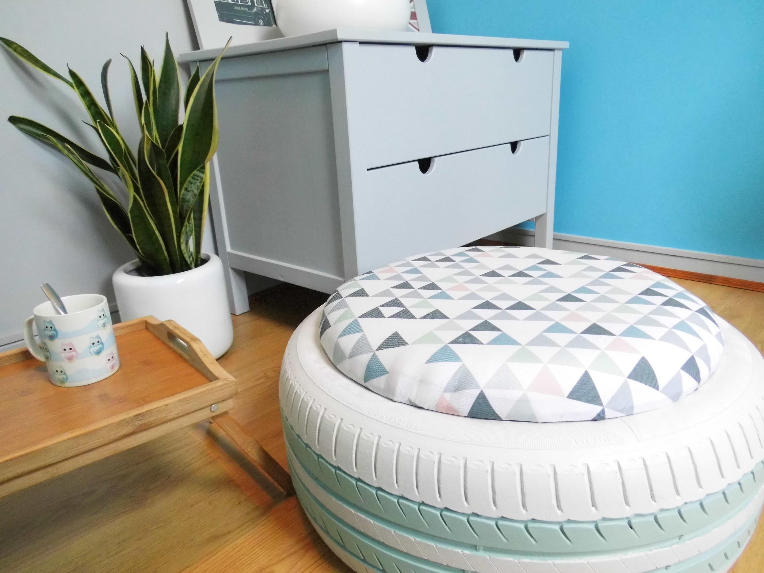 diy le pnouf ou comment fabriquer un pouf avec un pneu le blog qui r veille les vieux meubles. Black Bedroom Furniture Sets. Home Design Ideas