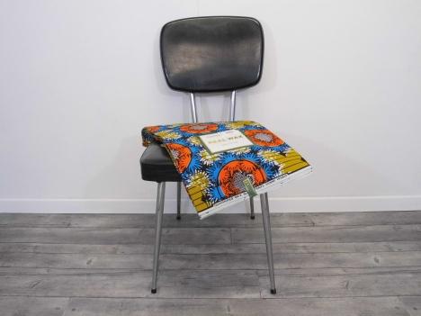 chaise avant + wax.JPG