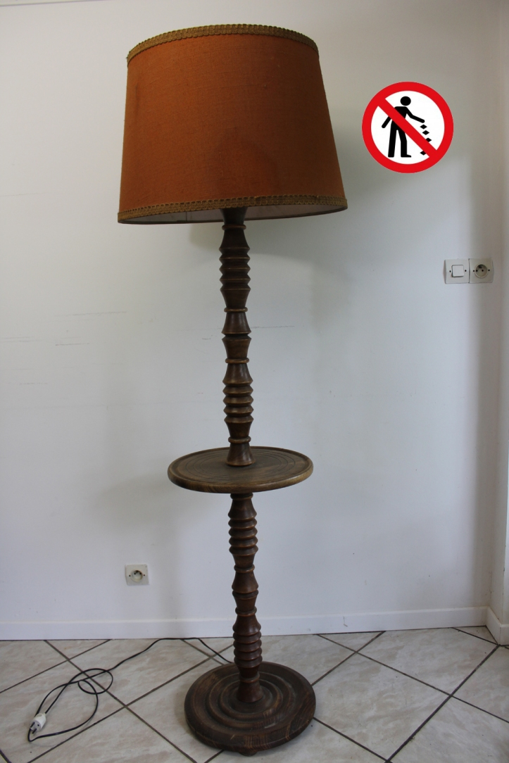 LAMPADAIRE AVANT