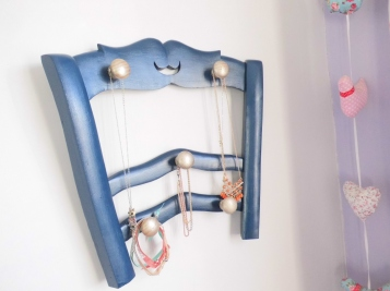 porte bijoux bleu ambiance