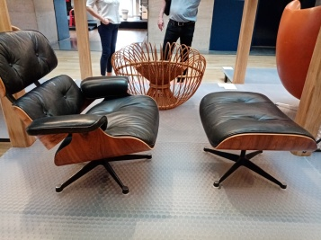 Lounge chair - Eames