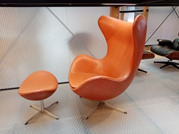 Egg chair - Eames