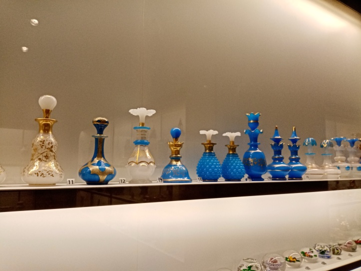 Collection de carafes en verre
